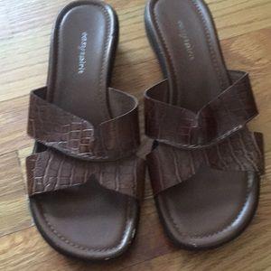 New easy spirit sandals